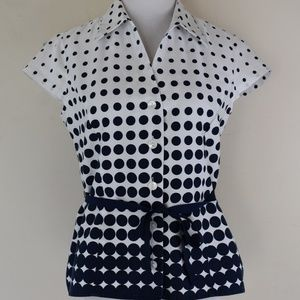 JNY Signature Size S Dot Print Top W/Ribbon Belt